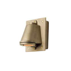 0750 Mast Light with Cast Transformer Box, Sandblasted Bronze | Illuminazione generale | Davey Lighting Limited