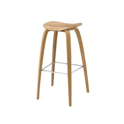 Gubi 2D Stool - Wood Base | Taburetes de bar | GUBI
