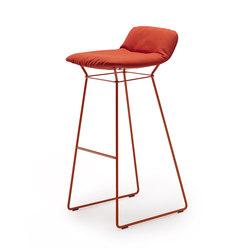 Leya Barstool Low | Bar stools | Freifrau Sitzmöbelmanufaktur