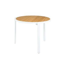 Allux stackable dining table Ø 90 cm (straight slats) | Mesas de comedor de jardín | Mamagreen