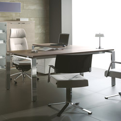Escritorios individuales-Sillas direccionales-Mesas de oficina-Concepto Free cromo teka ceniza-Ofifran