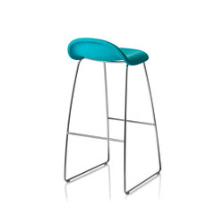 Gubi Stool – Sledge Base | Bar stools | GUBI