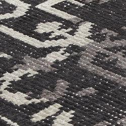 Vivid Vol. I jet black | Formatteppiche / Designerteppiche | Miinu