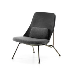 Strain easy chair black leather | Armchairs | Prostoria