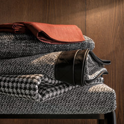 Mito Throw | Plaids / Blankets | Minotti