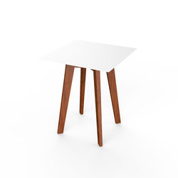 Slim Wood Square Table 64 | Mesas auxiliares de jardín | Viteo