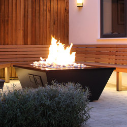Costume Made Fire Table | Chimeneas de jardín | Rivelin