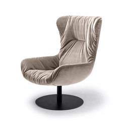 Leya | Wingback Chair with central leg | Poltrone lounge | Freifrau Sitzmöbelmanufaktur