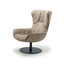 Leya Wingback Chair | Lounge chairs | Freifrau Sitzmöbelmanufaktur