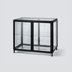 barcelona vitrinenschrank schauk sten vitrinen von lambert architonic. Black Bedroom Furniture Sets. Home Design Ideas