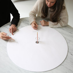 cantilever table · round top | Tavoli contract | molo