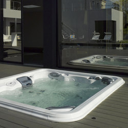 Wellness swimming pool | Whirlpools | Piscines Carré Bleu