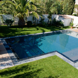 Piscines carr bleu mobilier de jardin ext rieur for Photo piscine miroir