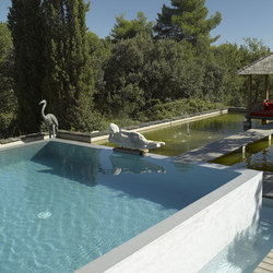 Overflow pool | Swimming pools | Piscines Carré Bleu