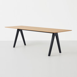 Scholar Table | Tables de restaurant | Resident