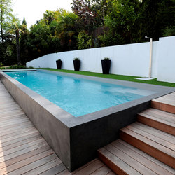 Little pool swimming pools from piscines carr bleu for Piscines semi enterrees