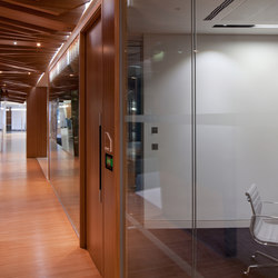 Plexwood Application - CBRE Global Investors | Panneaux de bois | Plexwood