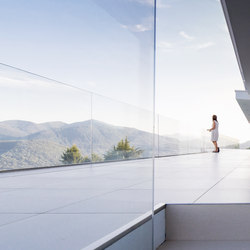 swissFineLine G whole-glass landing | Balcony glazing | Berger swissFineLine