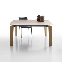 Oskar | Dining tables | B&B Italia