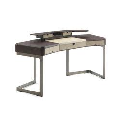 Tom | Desks | Porada