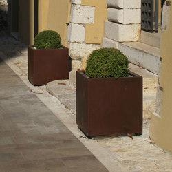 Dahlia | Flowerpots / Planters | Metalco
