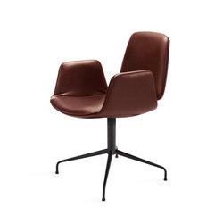 Tilda | Armchair with trestle leg | Chairs | Freifrau Sitzmöbelmanufaktur