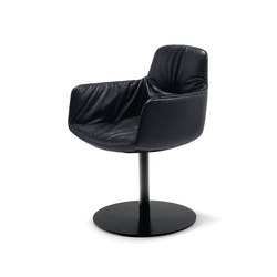 Leya | Armchair High with central leg | Sedie | FREIFRAU MANUFAKTUR