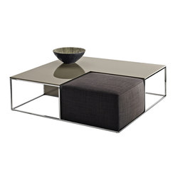 Area | Lounge tables | B&B Italia