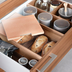 DRAWERS SYSTEM - BREAD BOX WALNUT | Produits de cuisine | Poggenpohl