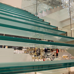 Straight Stairs Glass TWE-548 | Scale | EeStairs
