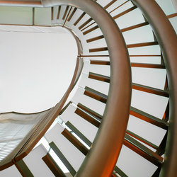 Helical Stairs Glass TWE-396 | Scale | EeStairs