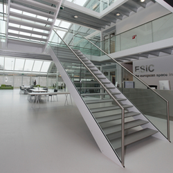Straight Stairs Steel TRE-552 | Glass stairs | EeStairs