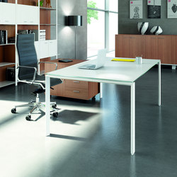 X7 | Direktionstische | Quadrifoglio Office Furniture