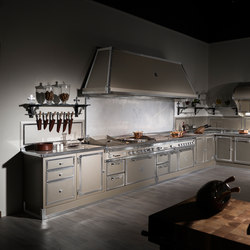 TAILOR MADE KITCHENS | CHAMPAGNE