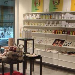 Elle System Shopfitting | Sistemas de estanterías | YDF