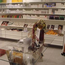 Elle System Shopfitting | Shelving | YDF