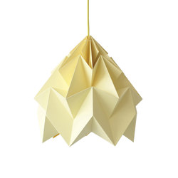 Moth XL Lamp - Canary Yellow | Illuminazione generale | Studio Snowpuppe