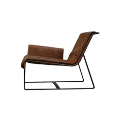 F010 Sessel | Lounge chairs | FOUNDED