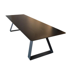 F012 table | Restaurant tables | FOUNDED