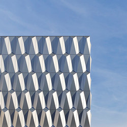 ALUCOBOND® plus |brilliant metallic | facade | Facade design | 3A Composites