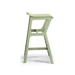 Nhino | Bar stools | Trabà