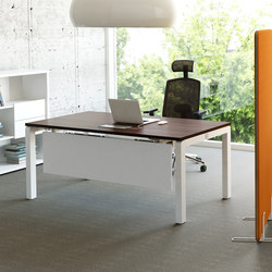 Yan C | Individual desks | MDD