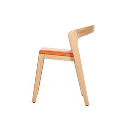 Play Chair – Oak Natural Stained with orange calf leather cushion | Restaurant chairs | Wildspirit