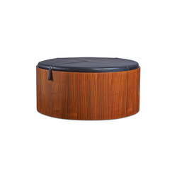 Stoll 90 – Walnut Stained with black calf leather cushion | Boîtes de rangement | Wildspirit
