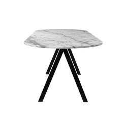 Saw Table marble white rounded | Restaurant tables | Friends & Founders