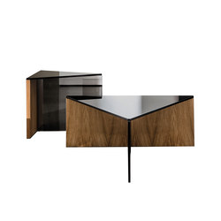 Regolo Triangular Coffee Table | Mesas de centro | Sovet