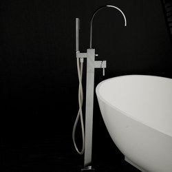 Kubista Single-Hole Tub Filler | Robinetterie pour baignoire | Lacava