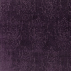 Signature Ashdown Manor Fabrics | Ardlington Velvet - Berry | Tessuti tende | Designers Guild