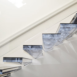 Cantilevered stair in Acrylic | Escaleras / Ascensores | Siller Treppen