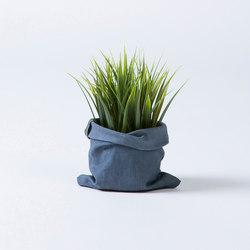 Worn Planter | Contenore / Vasi per piante | Thislexik